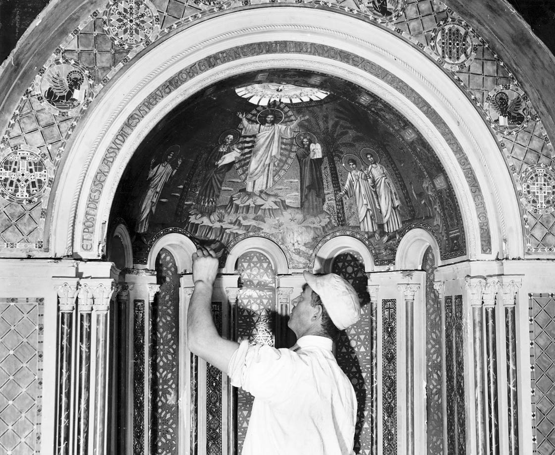 Lynn Fausett with his model of the Transfiguration for the half-dome of apse at St. Bartholomew