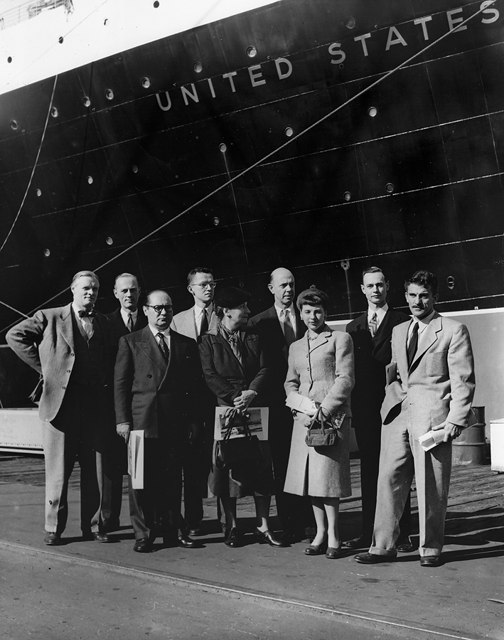 Front row, left to right: Louis Ross, Hildreth Meière, Gwen Lux, Peter Ostuni; back row, left to right: Austin Purves, Charles Lin Tissot, William King, Charles Gilbert, Raymond Wendell