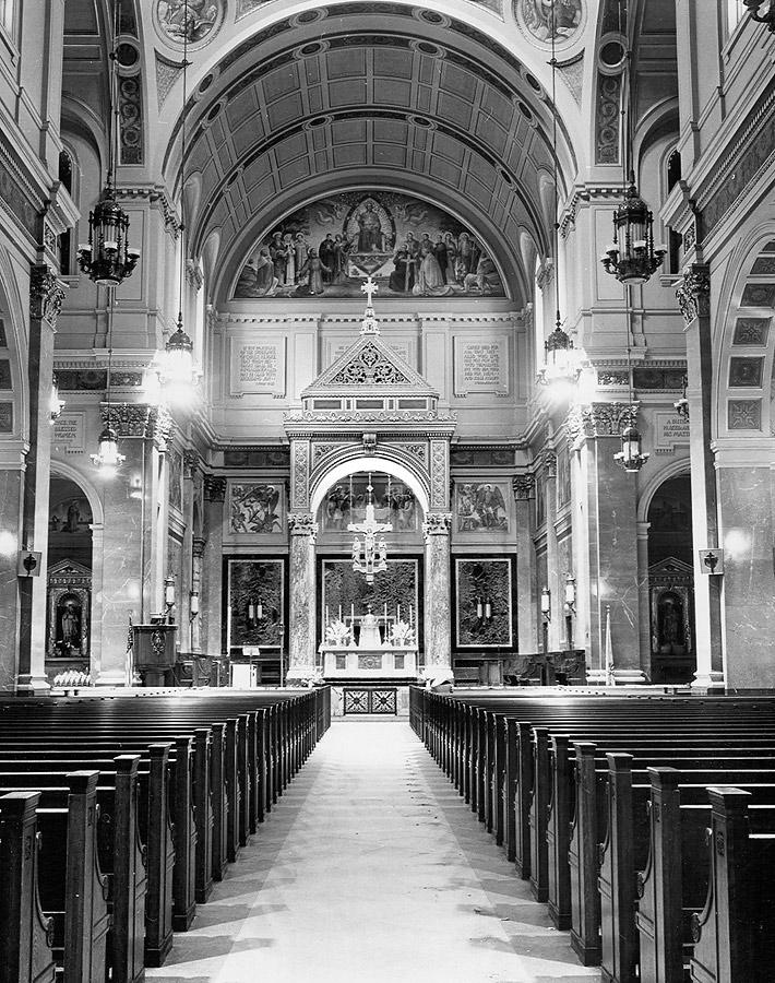 Rebuilt main sanctuary with Meière's decoration 1936