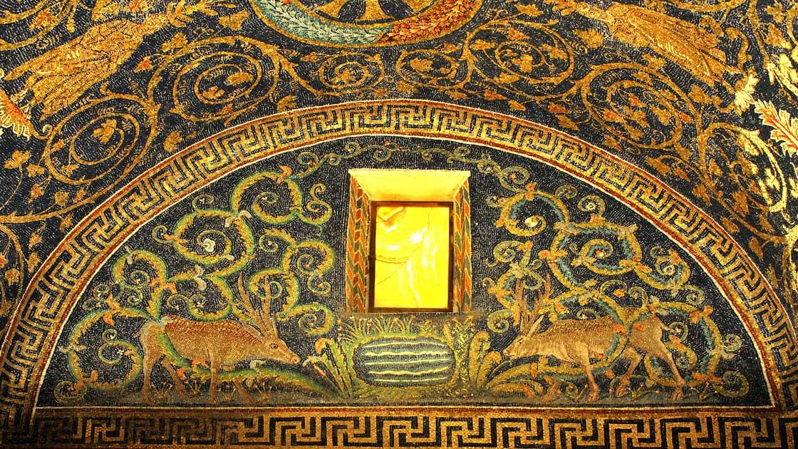 Mausoleum of Galla Placidia © mountainpix/shutterstock.com