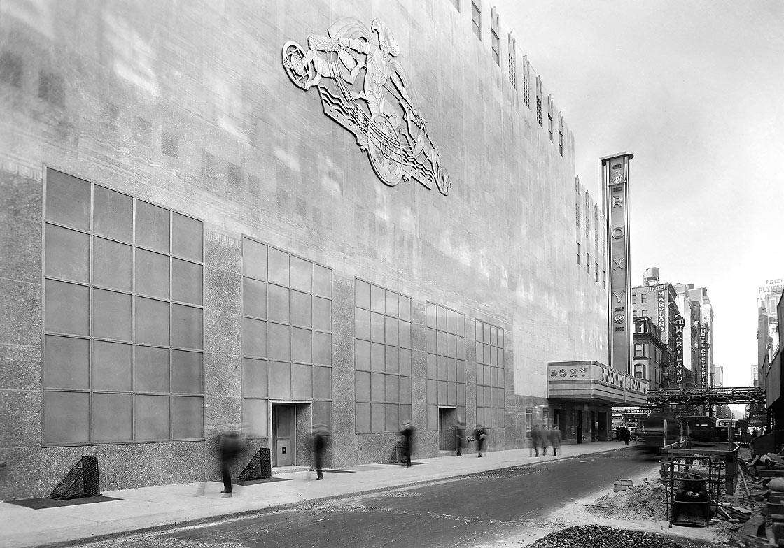 49th Street facade of RKO Center Theatre with Radio and Television Encompassing the Earth, © Museum of the City of New York/Art Resource, NY