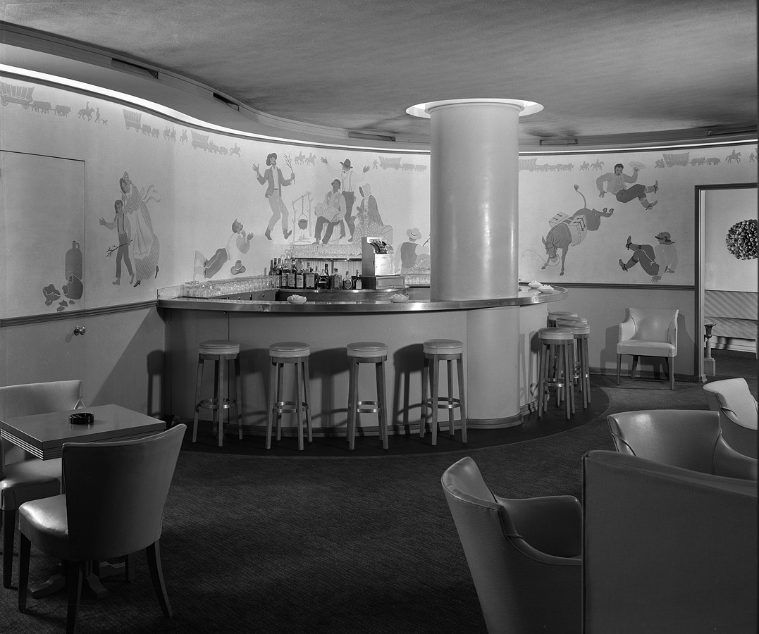 Westport Room cocktail lounge with Western figures on walls. Chicago History Museum, Hedrich-Blessing Collection, HB-04696-C, Chicago, IL